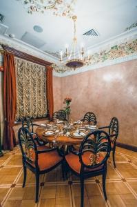 Ресторан молекулярной кухни Мезонин в гастрономе Купцов Елисеевых